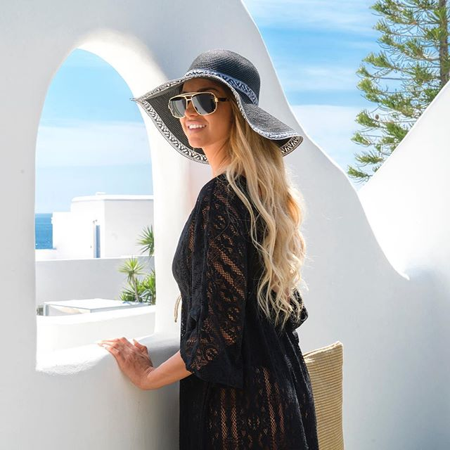 Mykonian Beauty. #photoshoot #latestwork #bellissimoresort  #hotel #hotelphotography #mykonos #greece #photography #travel #travelphotography #view #chic #sexy #beauty #summer #fashion #blonde #style #model #nofilter #ianaluxurytravel @gatou_a