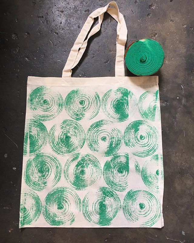 Having fun in the studio today printing with vegetables as I prepare for the Kinston Farmers Market this Saturday. Join us from 9am-1pm to print your own tote bag using vegetables!  @smartkinston #kinstonnc #farmersmarket #reuse #vegetables #everythingcanbeprinted #prints #printmaking #playwithyourfood