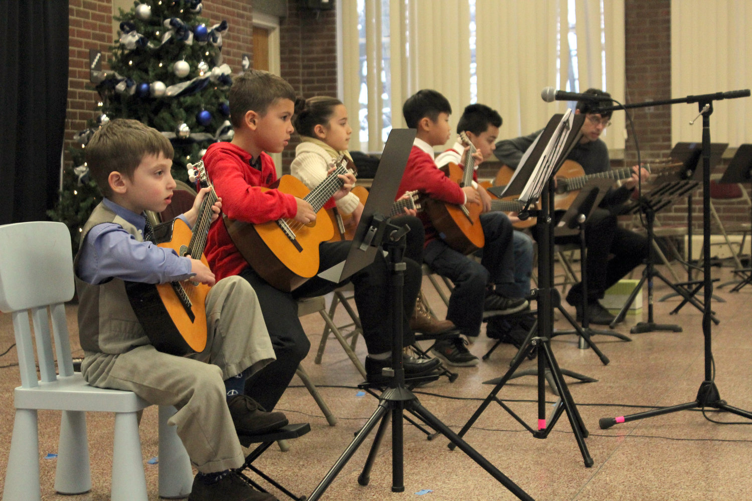 new-jersey-music-school-guitar-group.jpg