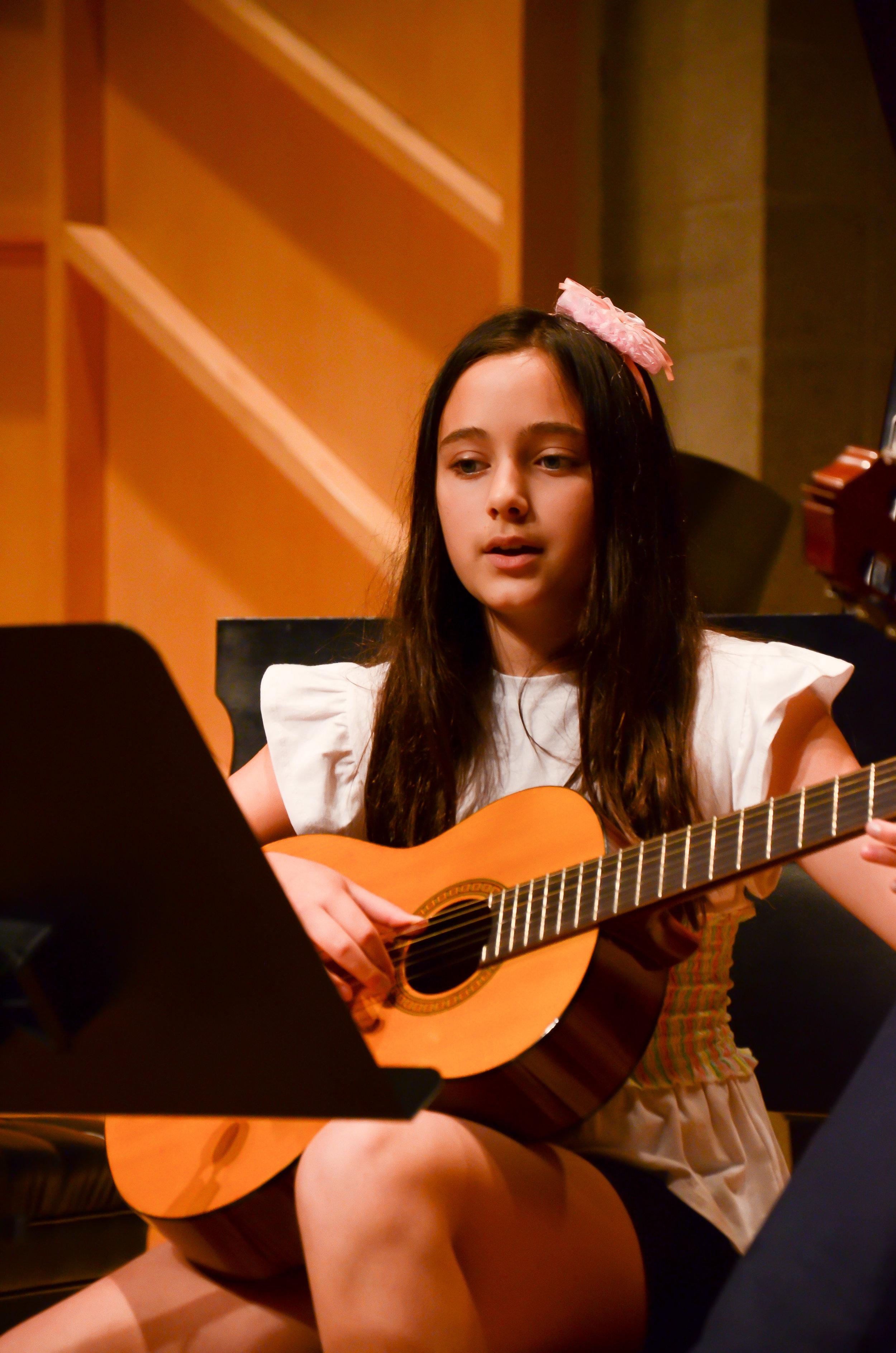 guitar-teachers-in-fort-lee.jpg