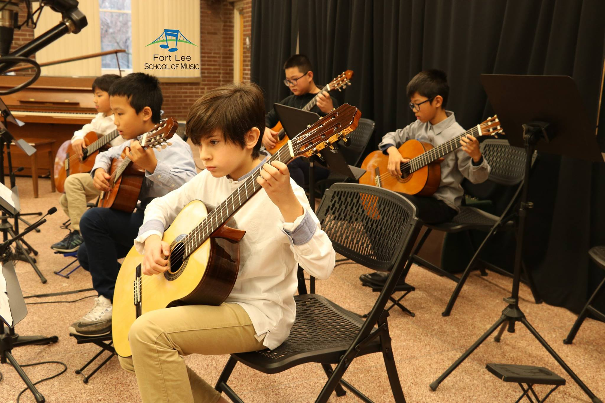 new-york-guitar-orchestra.jpg