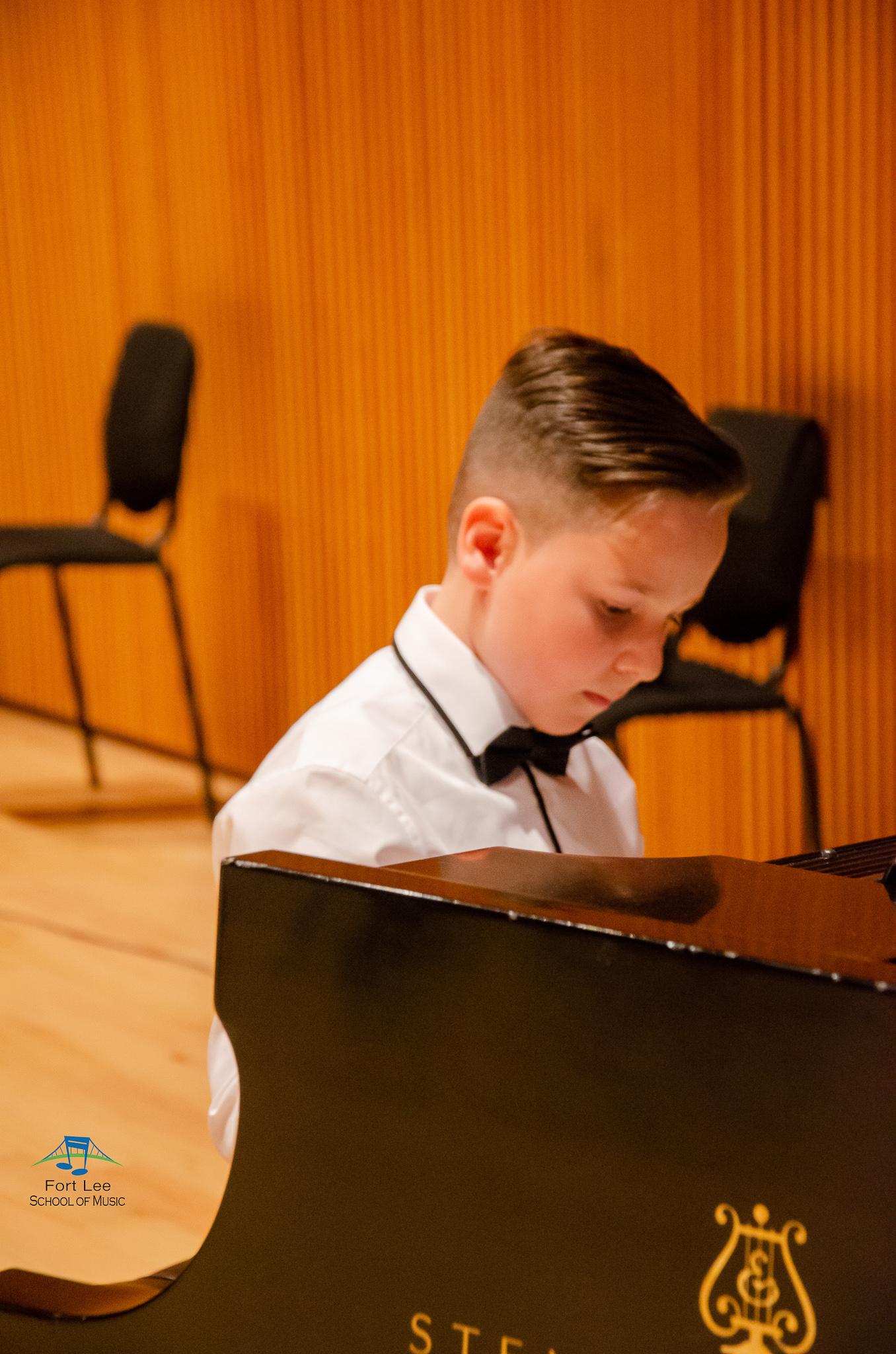 piano-lessons-for-children.jpg