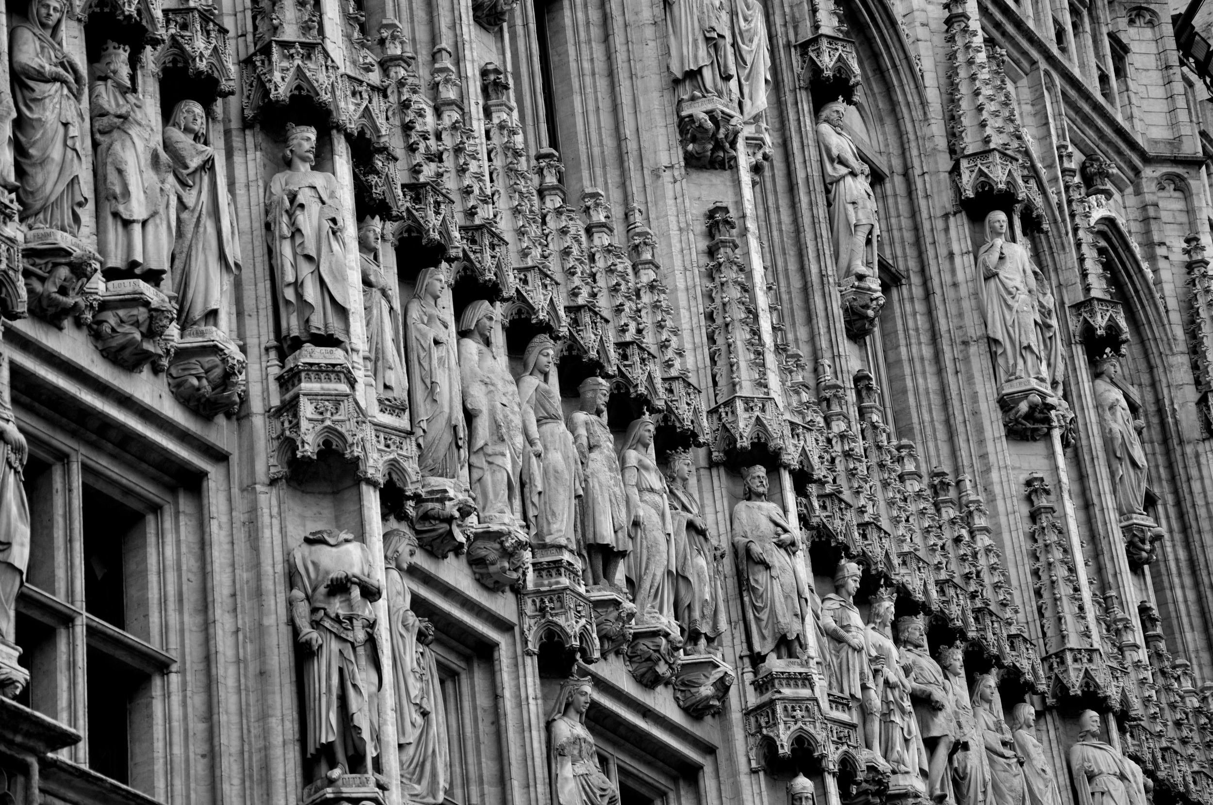 Statues (1).jpg