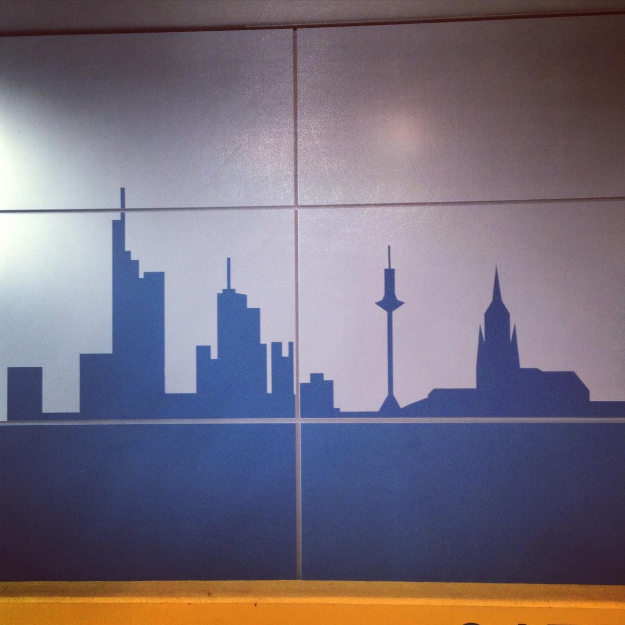 HOWEHAUS FRANKFURT CITY SKYLINE