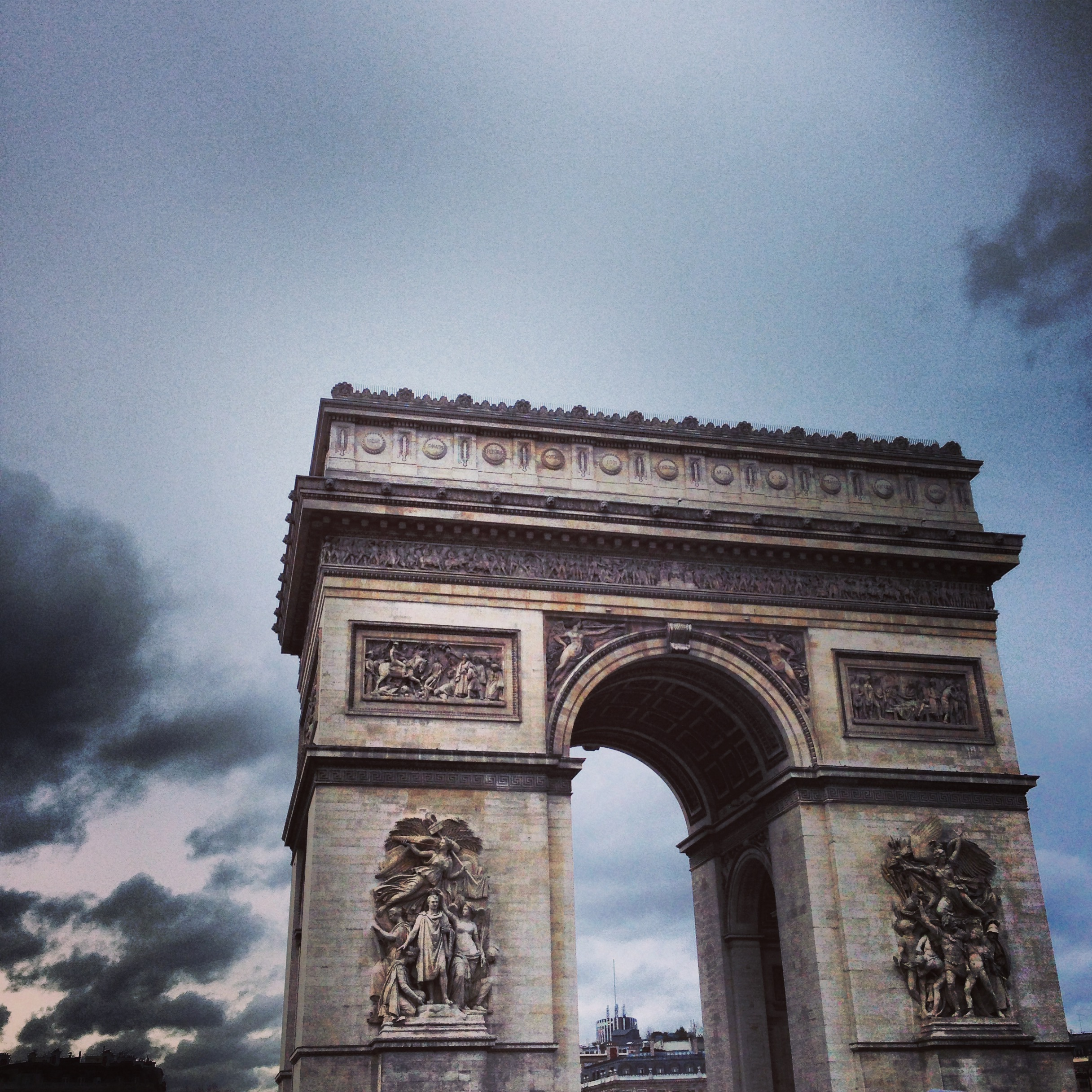 HOWEHAUS Paris Arc de Triomph.JPG