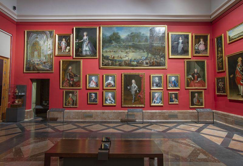 exposicion-El-Gabinete-de-Descanso-de-sus-Majestades (1).jpg