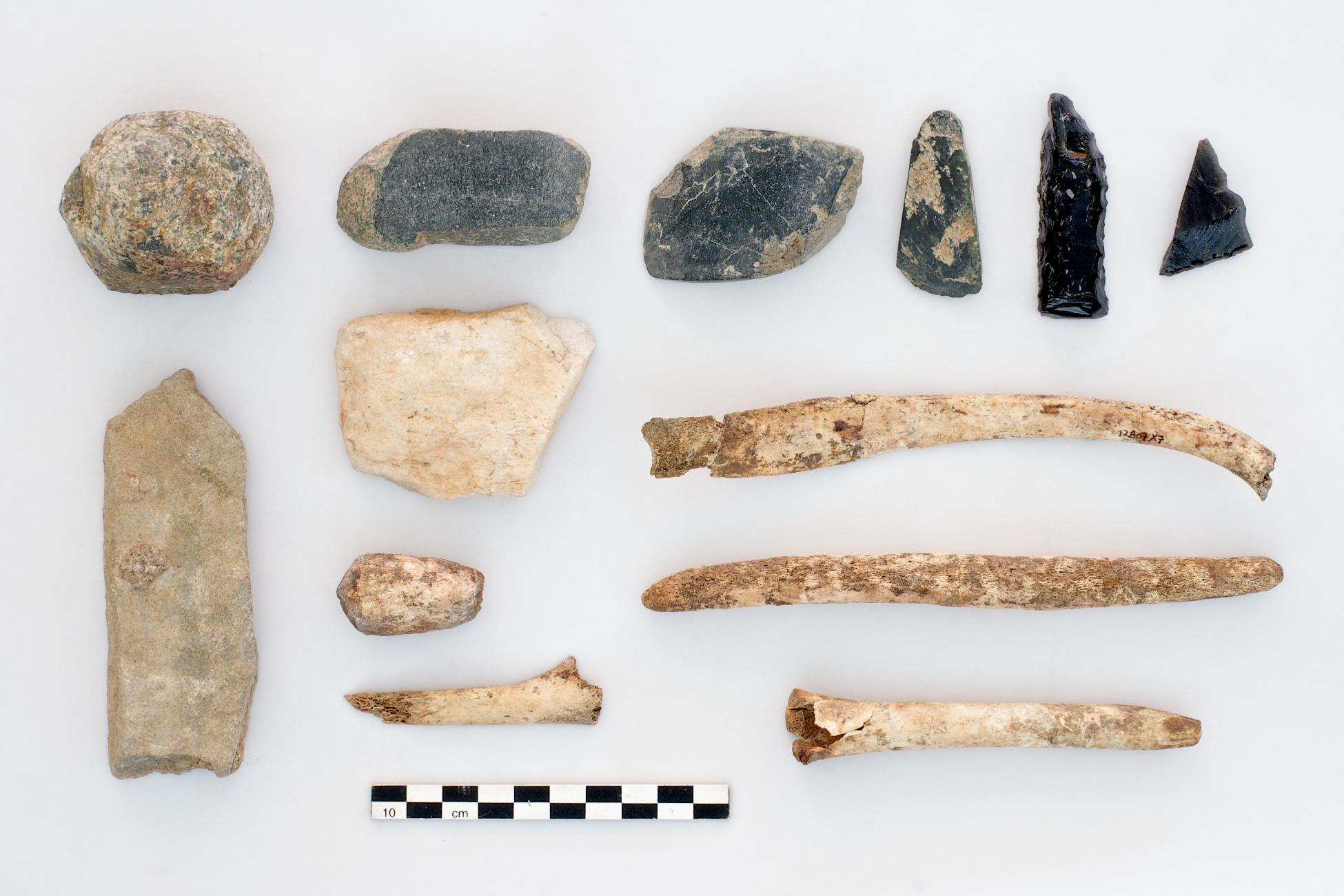 Cluster of worked bone, flint, and obsidian, Çatalhöyük, Turkey.