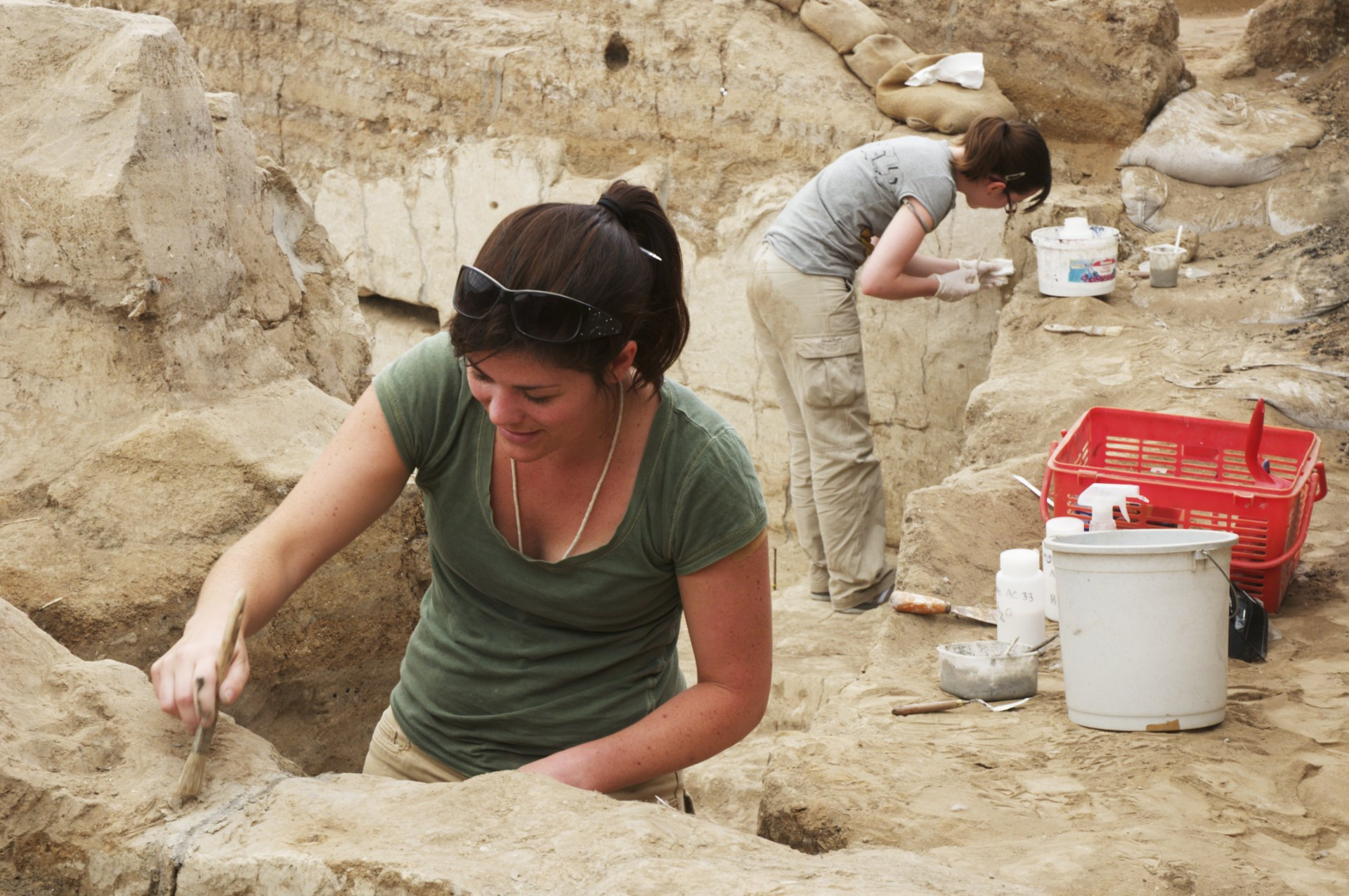 Ashley Lingle and Flavia Ravaioli conserving Neolithic wall plaster, Çatalhöyük, Turkey.