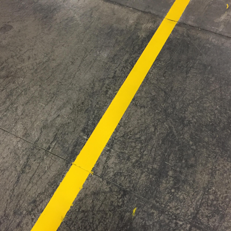 Realizzazione strisce segnaletiche su pavimentazione esistente