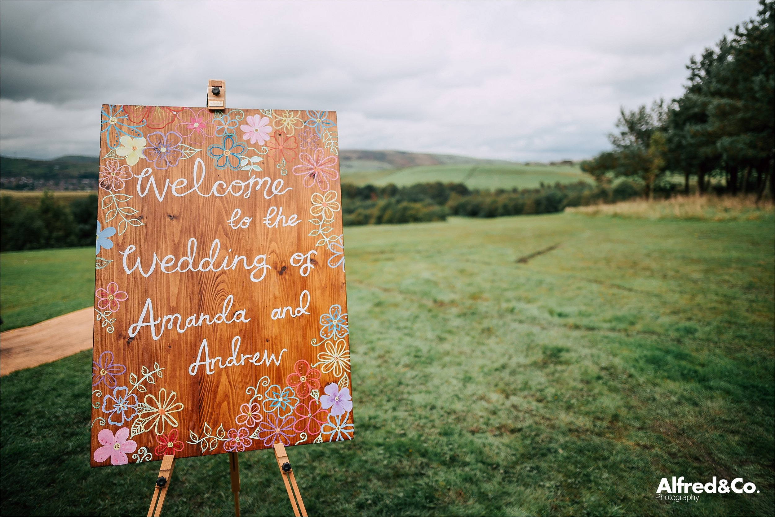 tipi+wedding+lancashire+photographer+rochdale37.jpg
