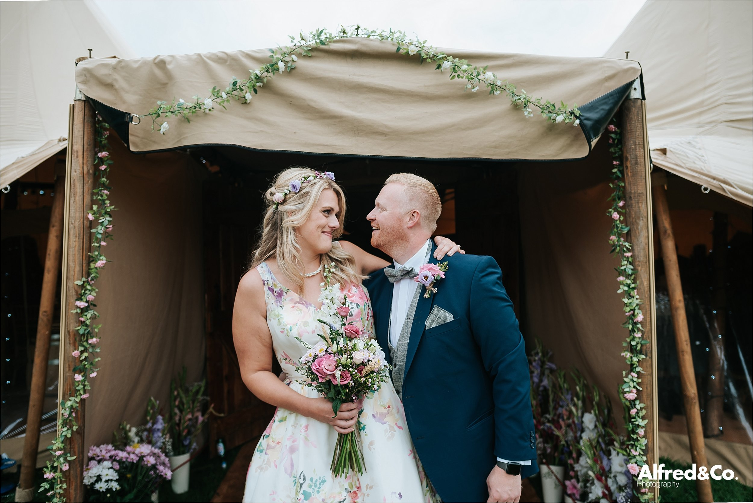 tipi+wedding+lancashire+photographer+rochdale85.jpg