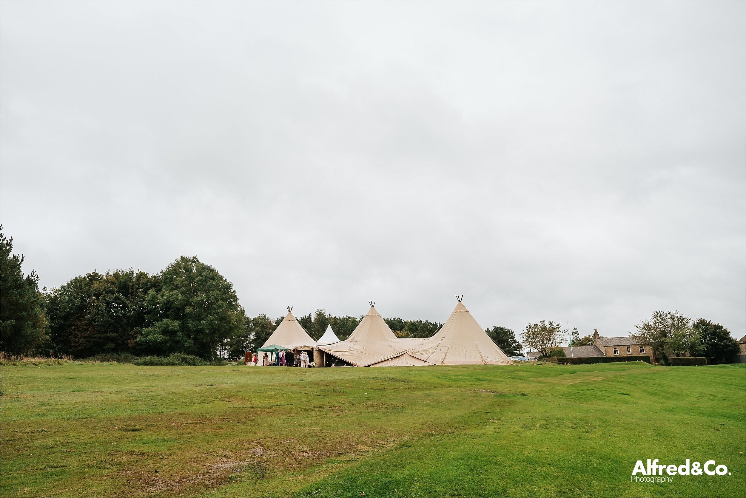 tipi+wedding+lancashire+photographer+rochdale88.jpg