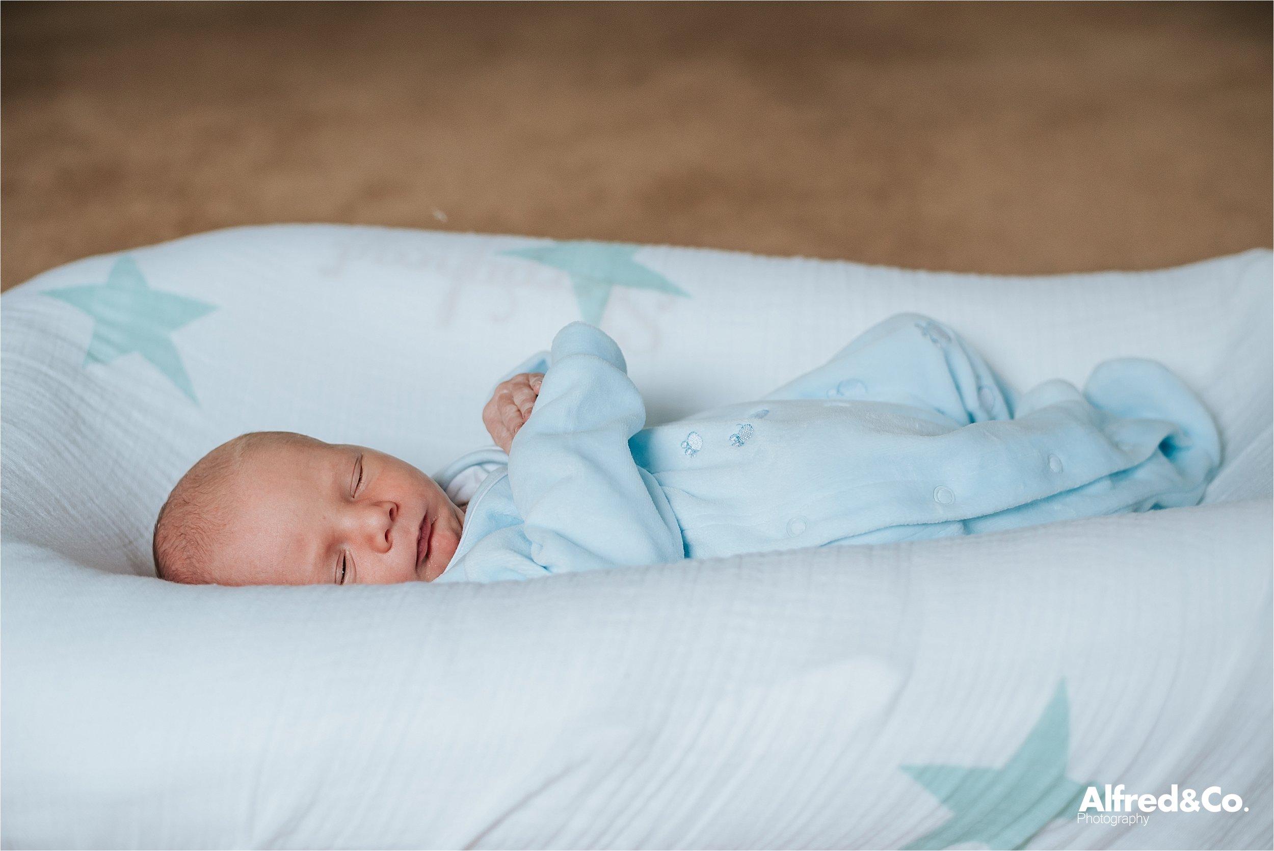 Newborn baby boy32.jpg