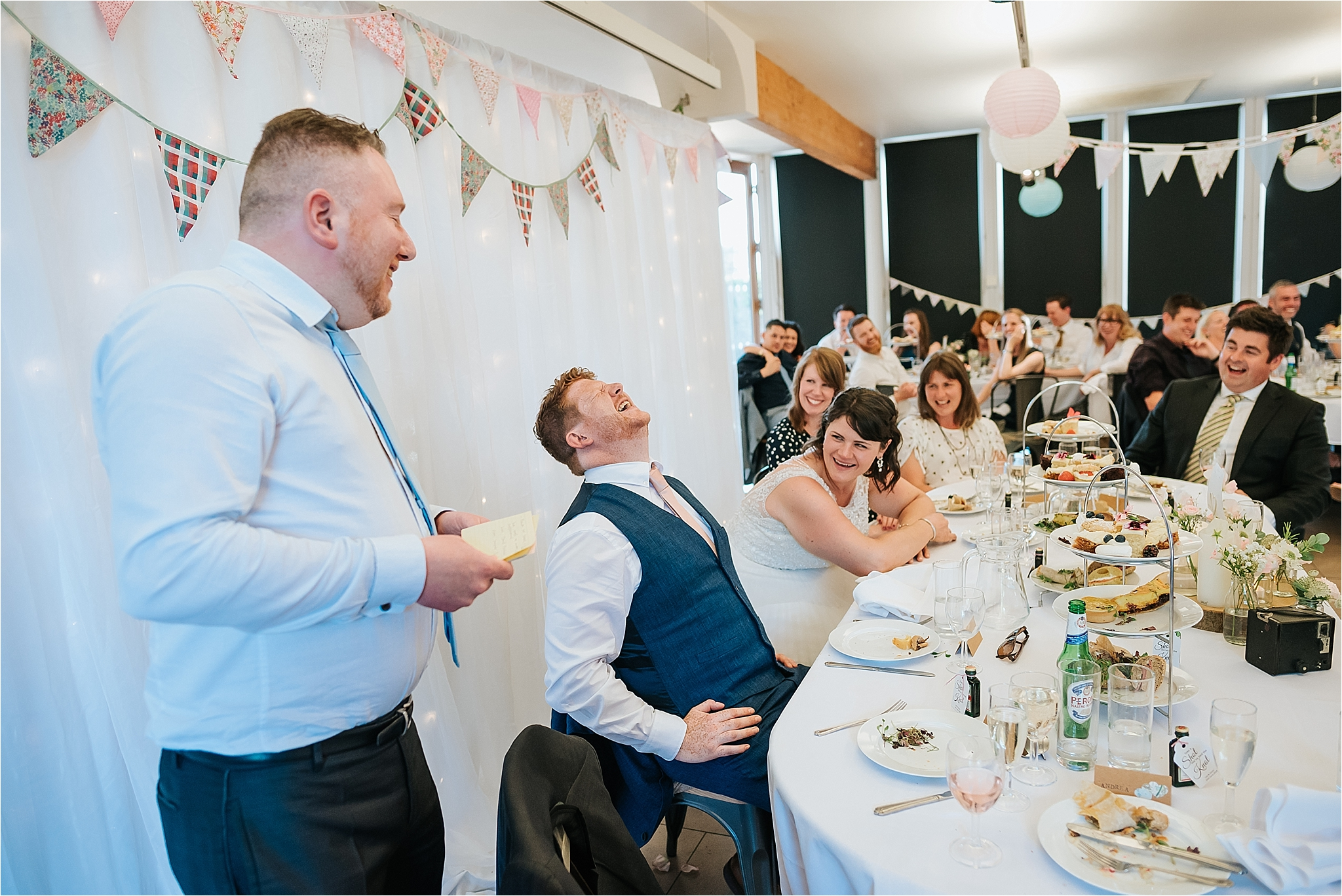Best man gives his speech at wedding