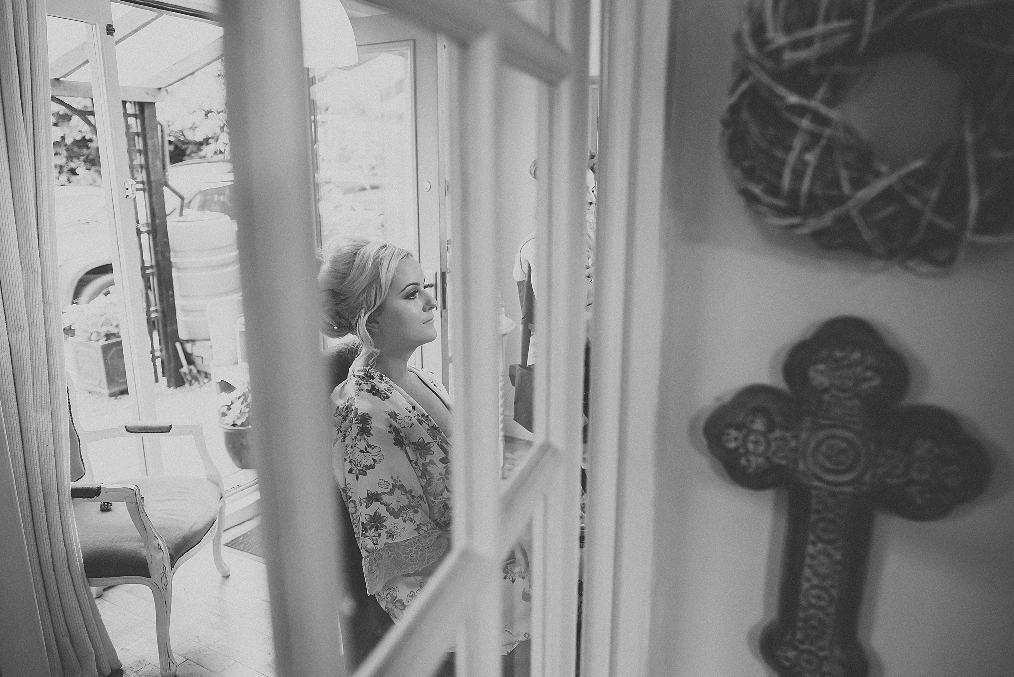 bride getting ready before wedding at middleton lodge