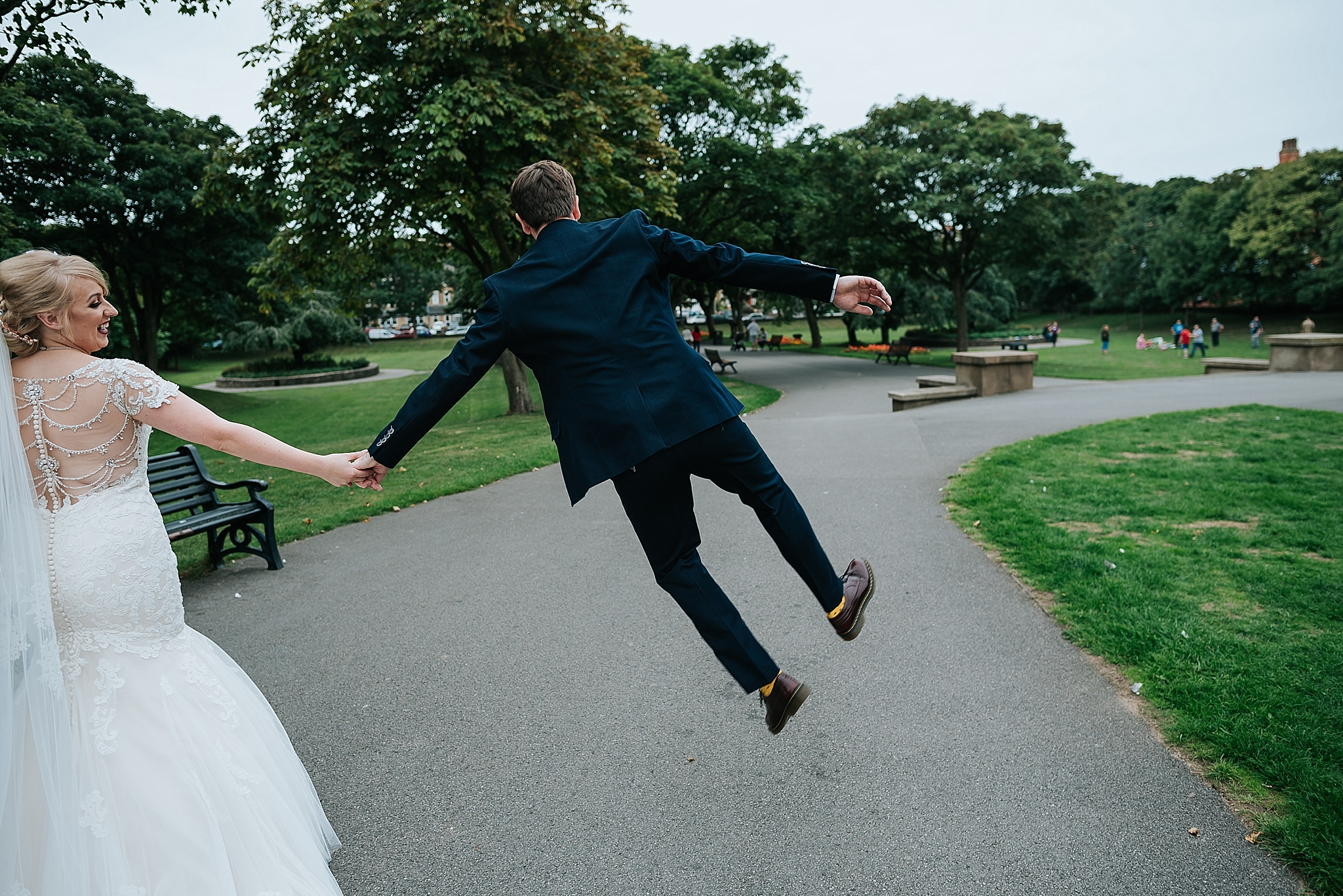 Quirky bride and groom in ashton park, st annes