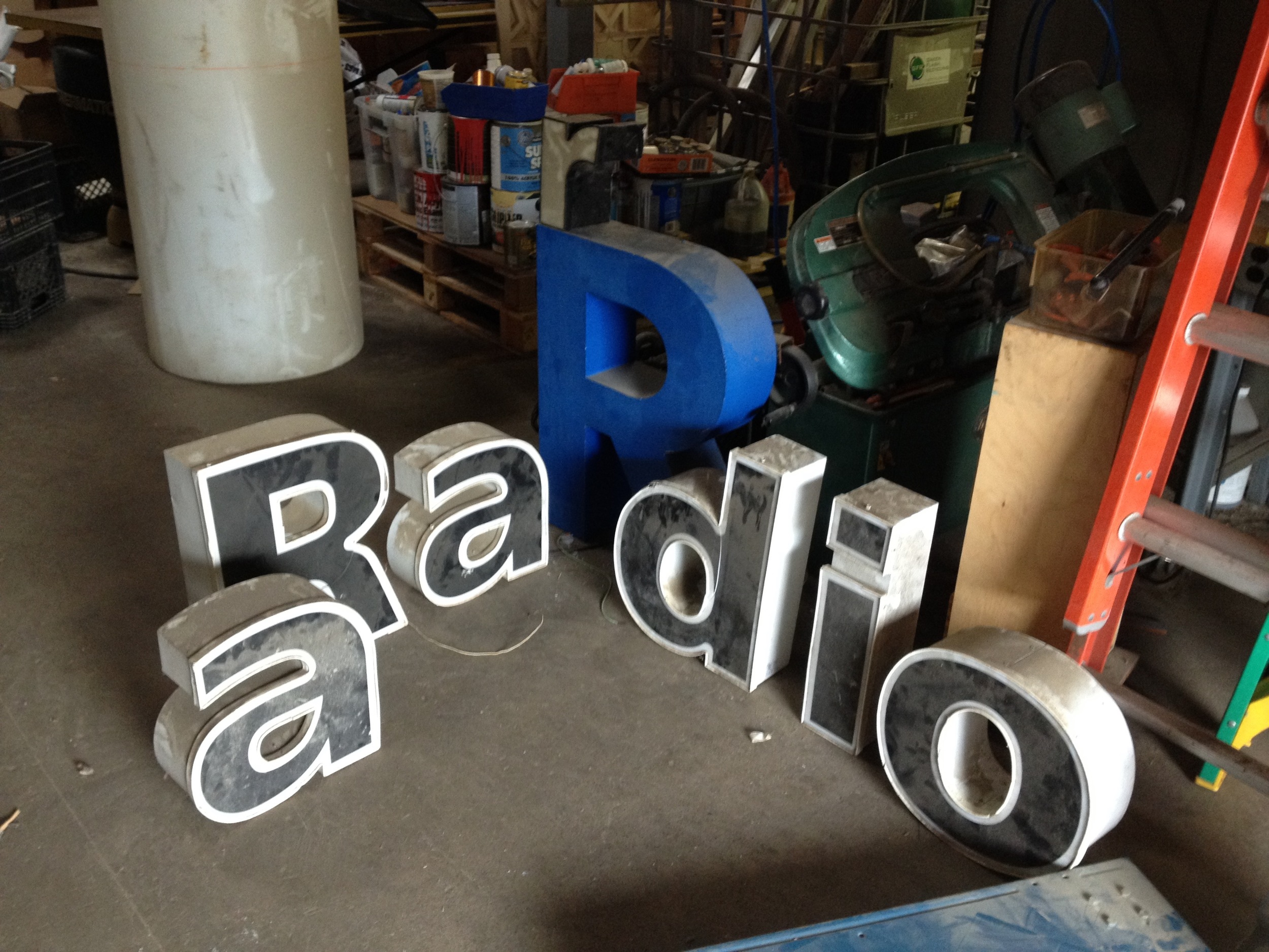After the hundreds of trips to Radi✪Shack! radiorobot. 2015.