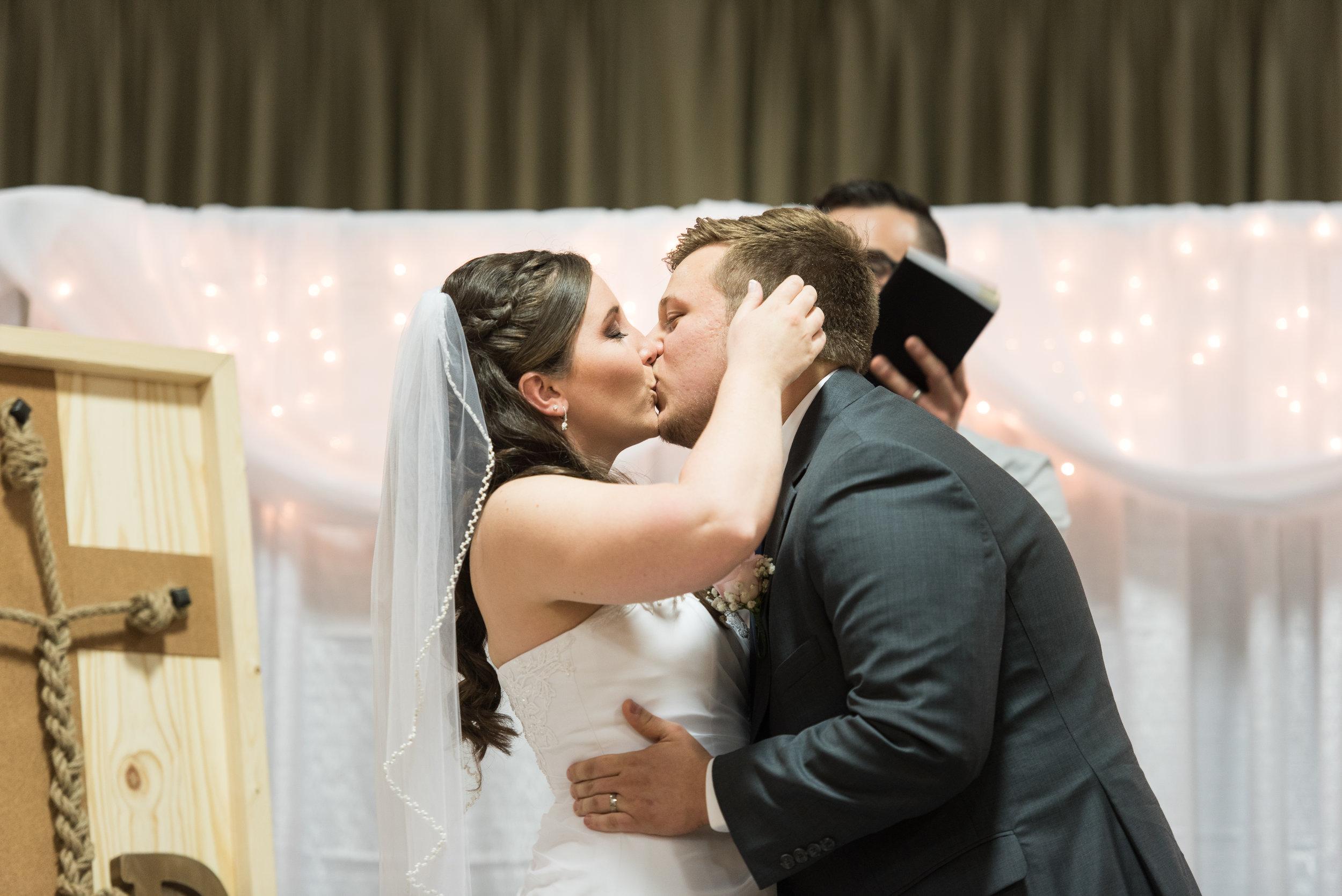 HannahCal_Wedding_142.jpg