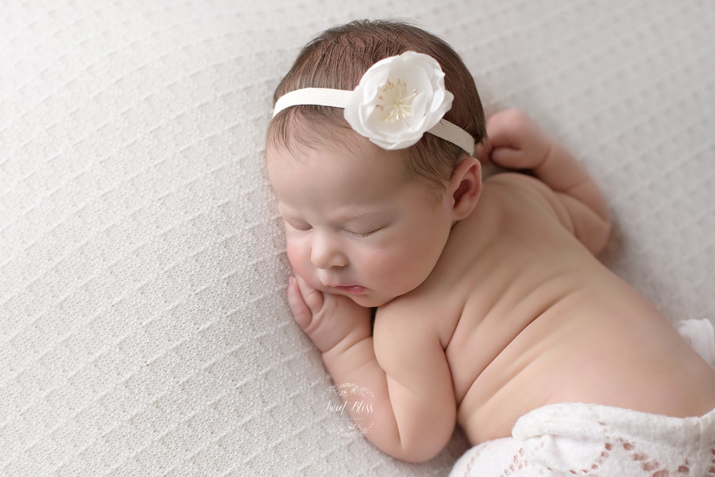 abingdonnewbornphotography_whitepinkandgrey_3 copy.jpg