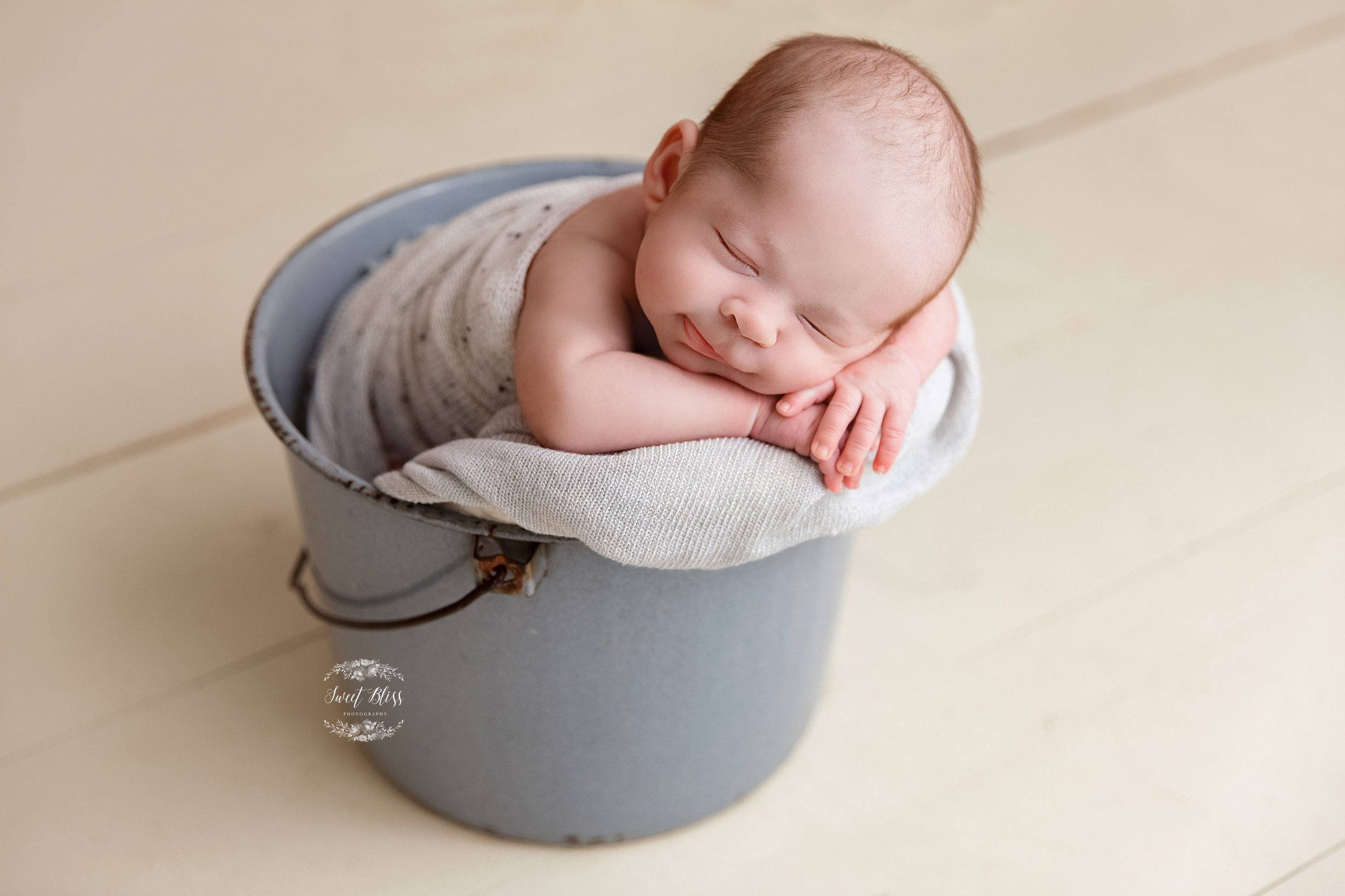 bluebucket_marylandnewborn2.jpg