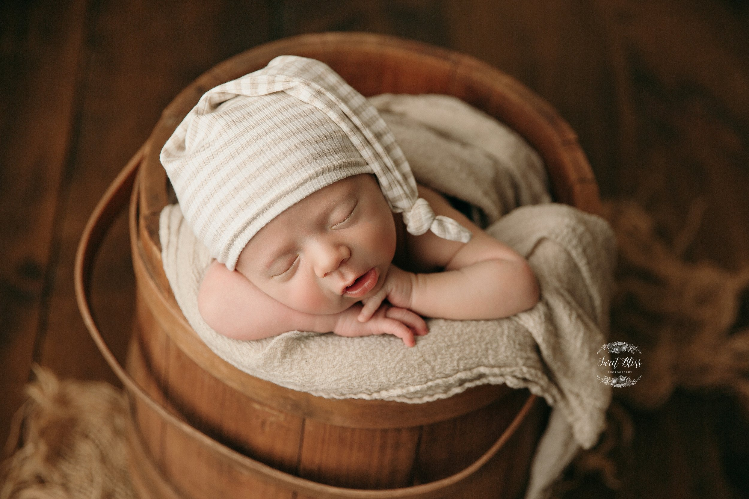Marylandnewbornphotography_sweetblissphoto_Baltimorebabyportrait-2.jpg