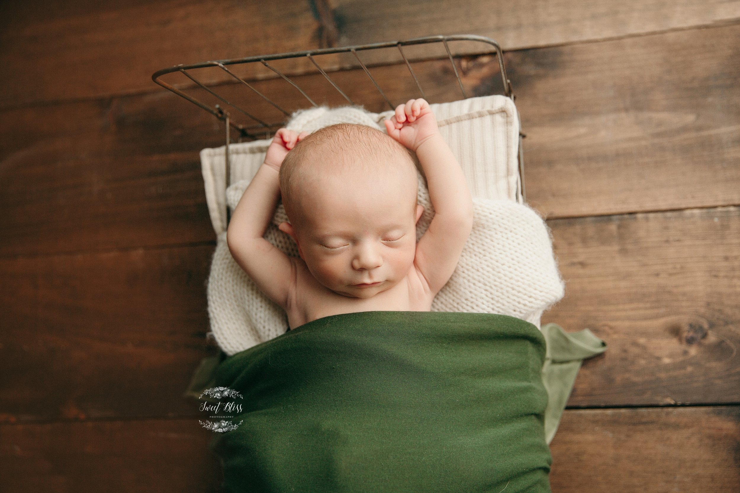 newbornphotographyinmaryland_sweetblissphoto_baltimorenewbornphotography.jpg