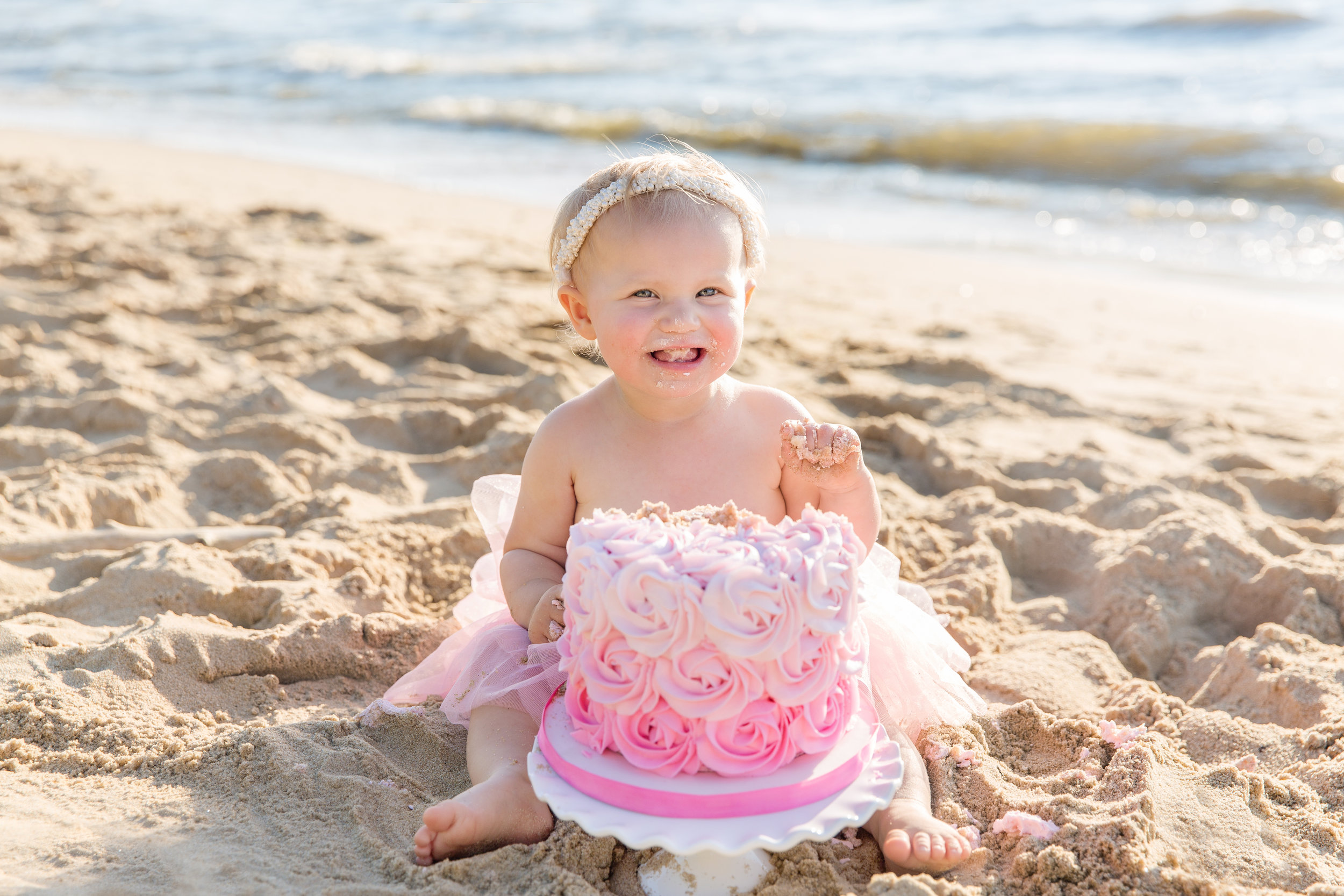 Marylandbabyphotographer_cakesmash_Beach-36.jpg