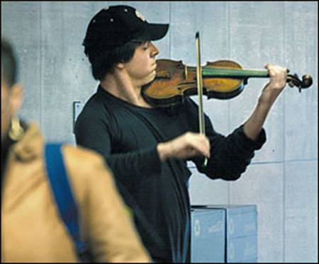 Joshua Bell playing a violin worth $3.5 in the D.C metro