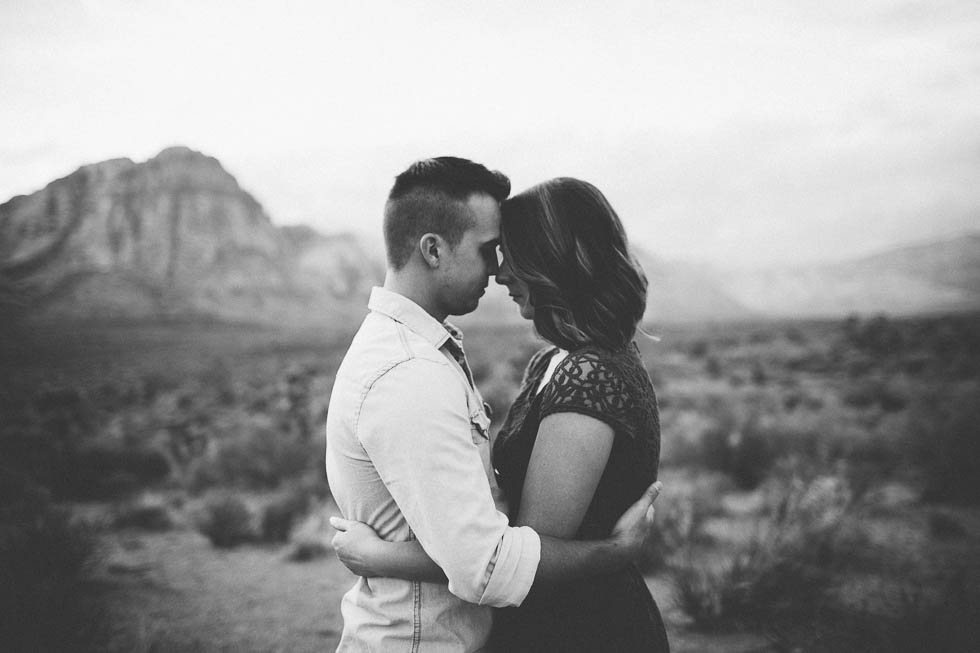 Red rock canyon elopement photographer