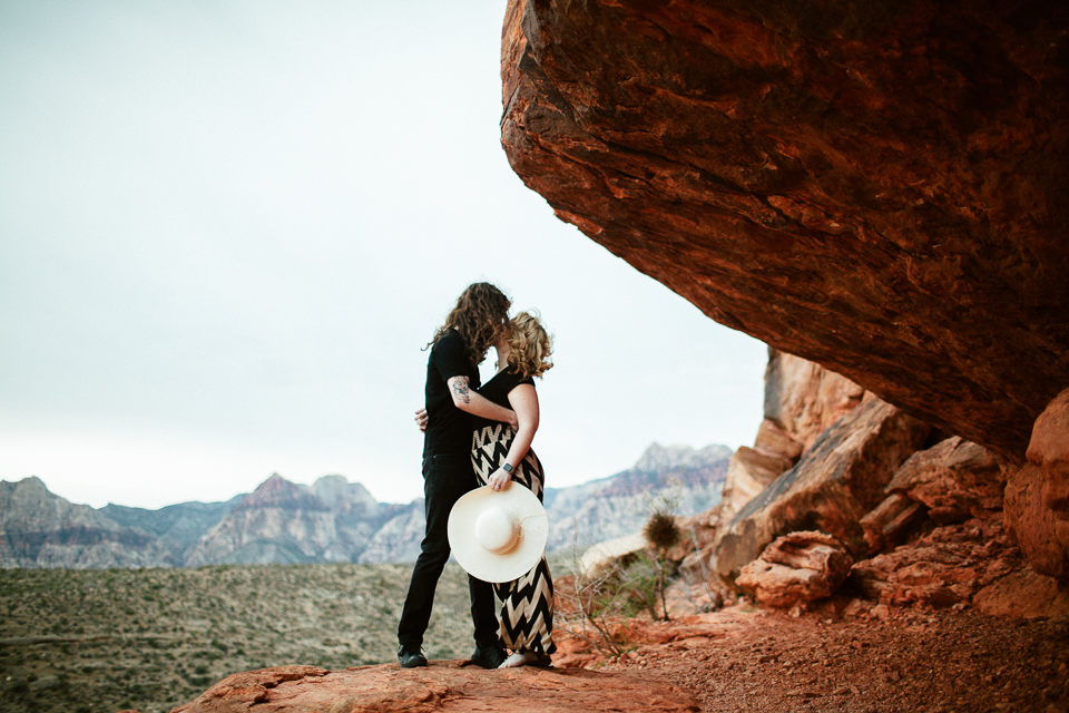 Red Rock engagement photos
