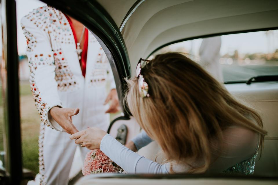 Retro las vegas elopement-1052.jpg