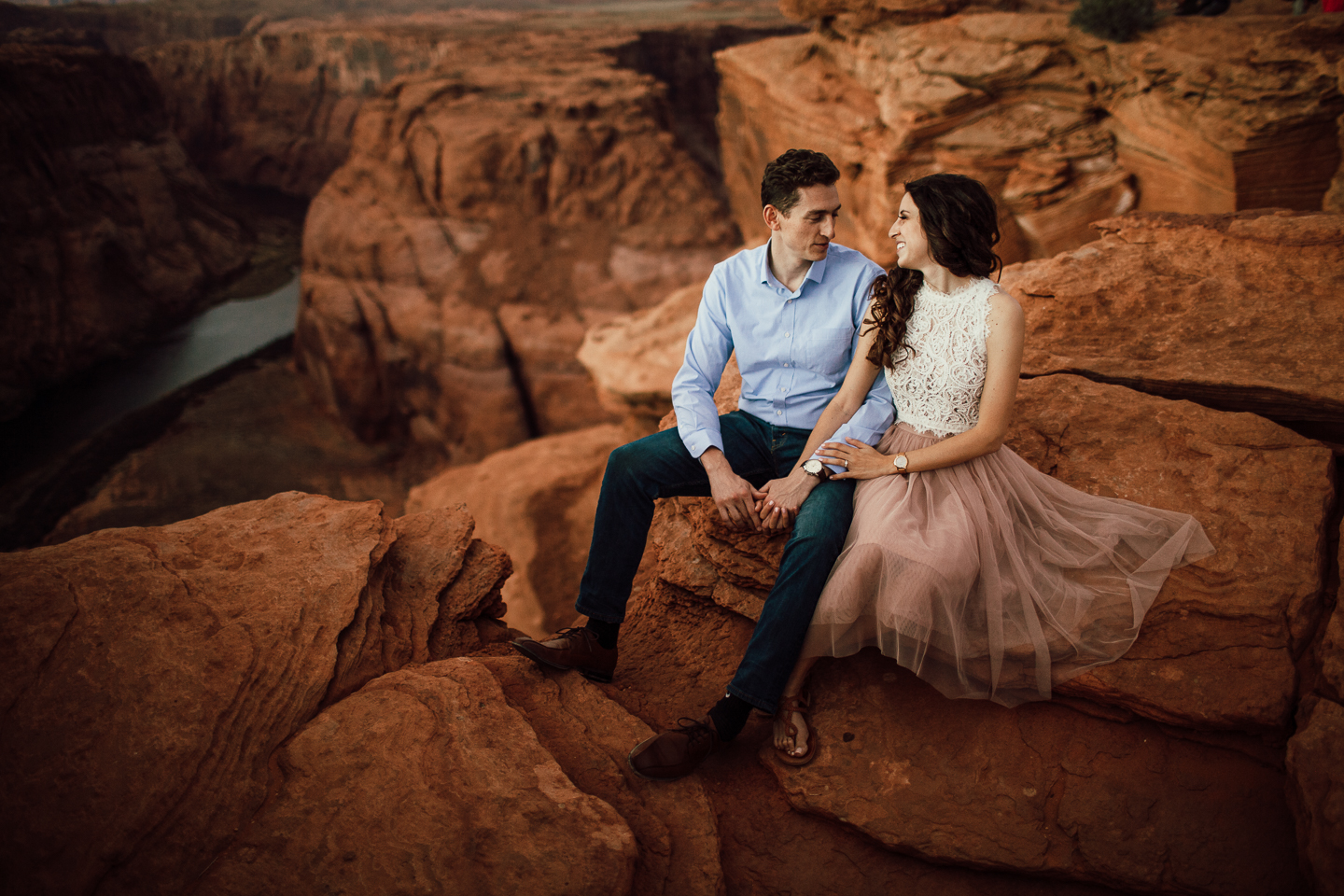 horseshoe Bend engagement photographers