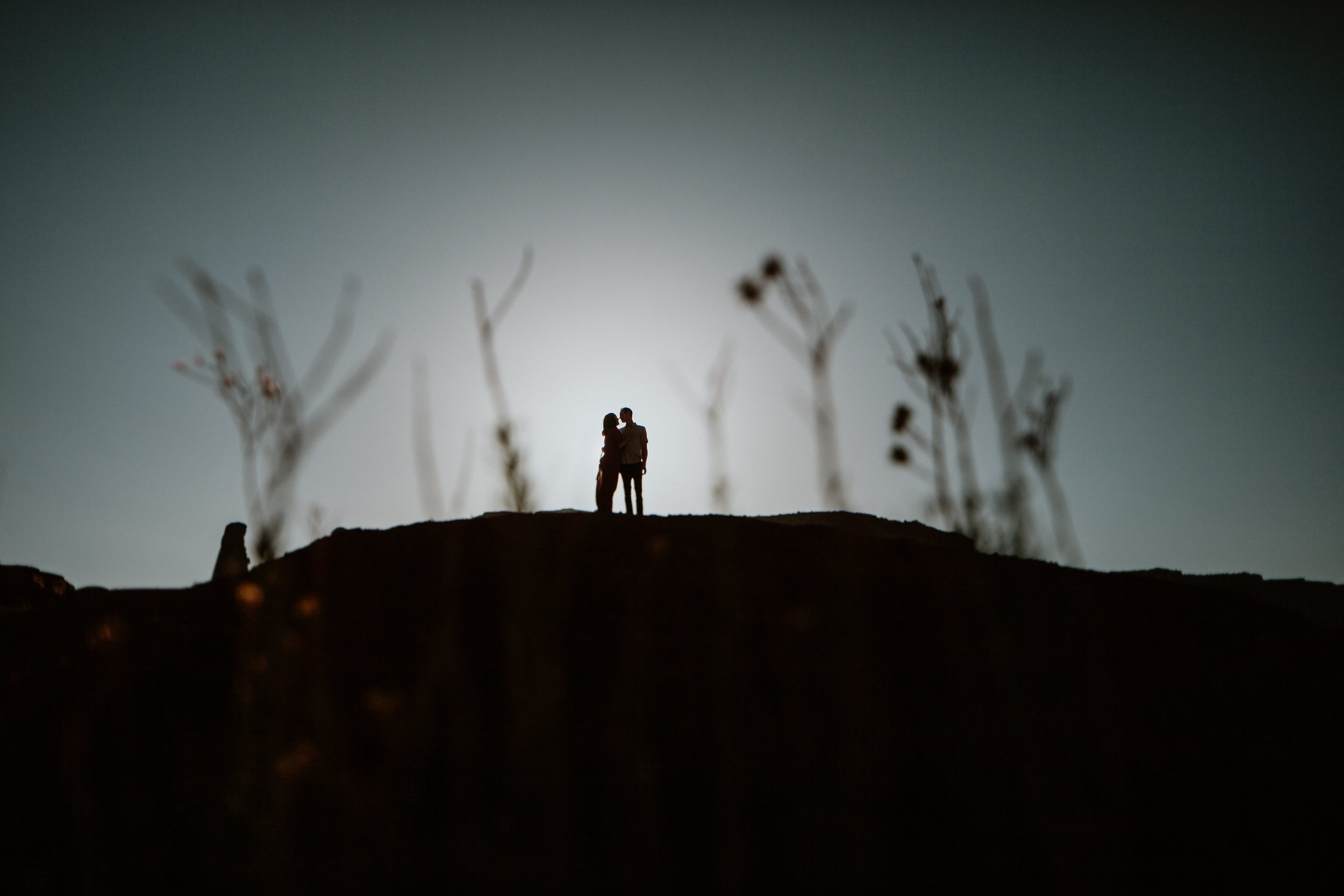 Monument Valley engagement photography-0011.jpg