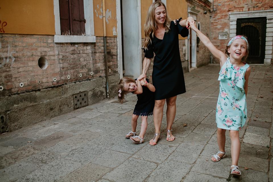 fun family photos in venice