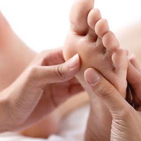 EG.Servicespage.footmassage.jpg