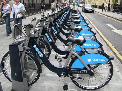 Bicicletas públicas em Londres, em sistema ÚNICO com patrocínio e operacionalização privados