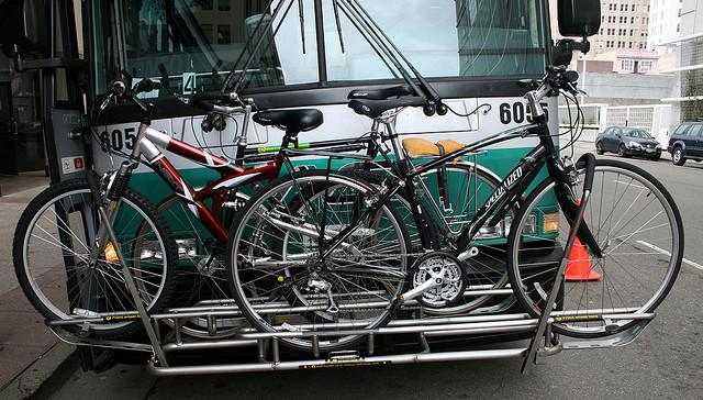 Sistema de transporte de bicicleta no ônibus - Alemanha