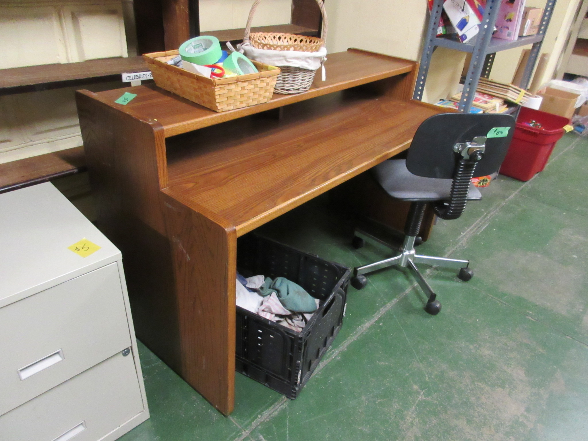 computer table 2.JPG