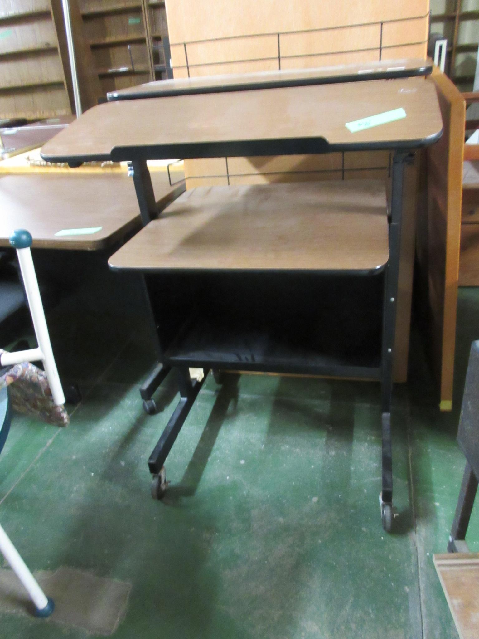 computer table 3.JPG