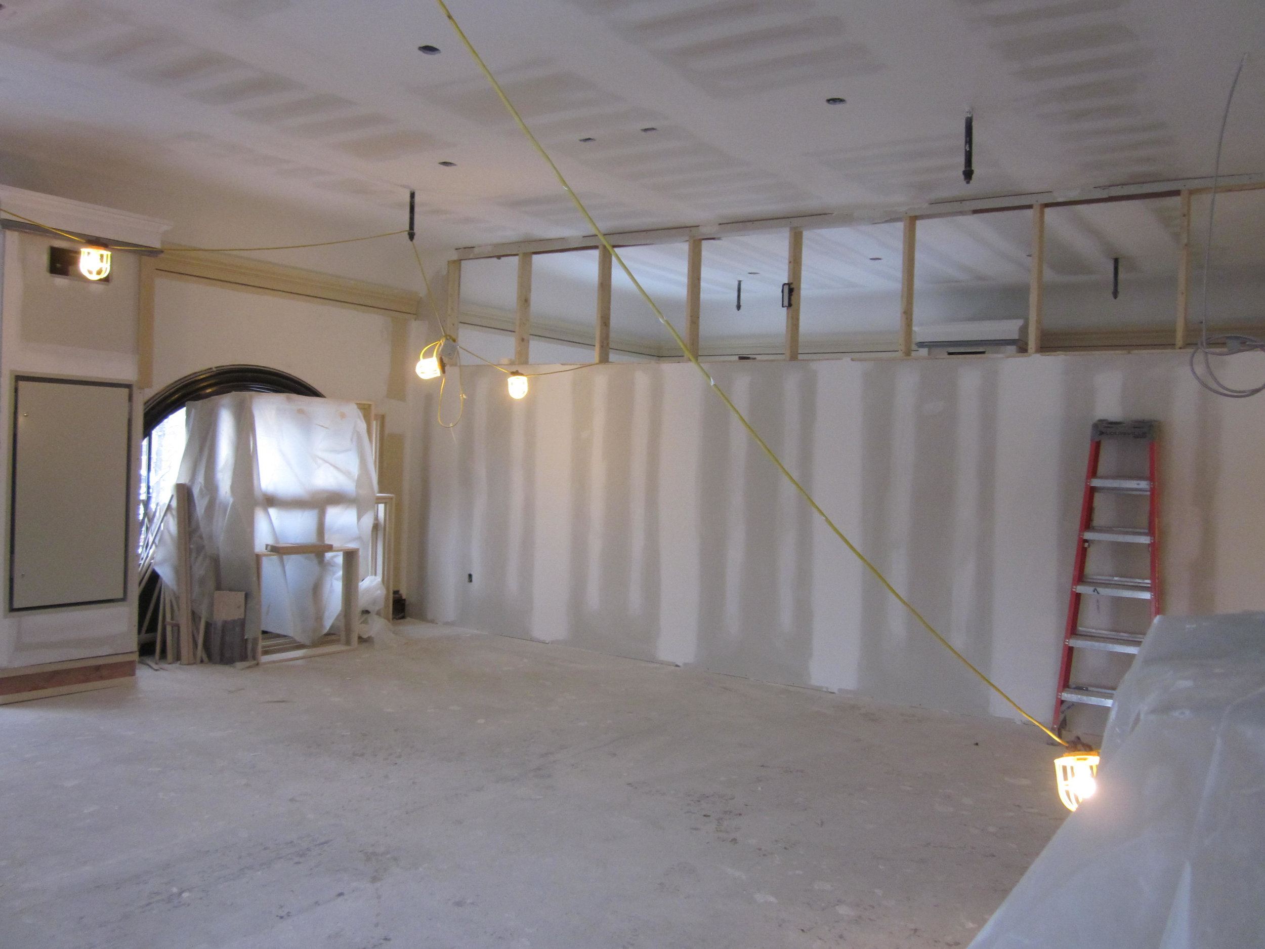 Former Friends Room divided to create medium and large meeting rooms. (large room shown)