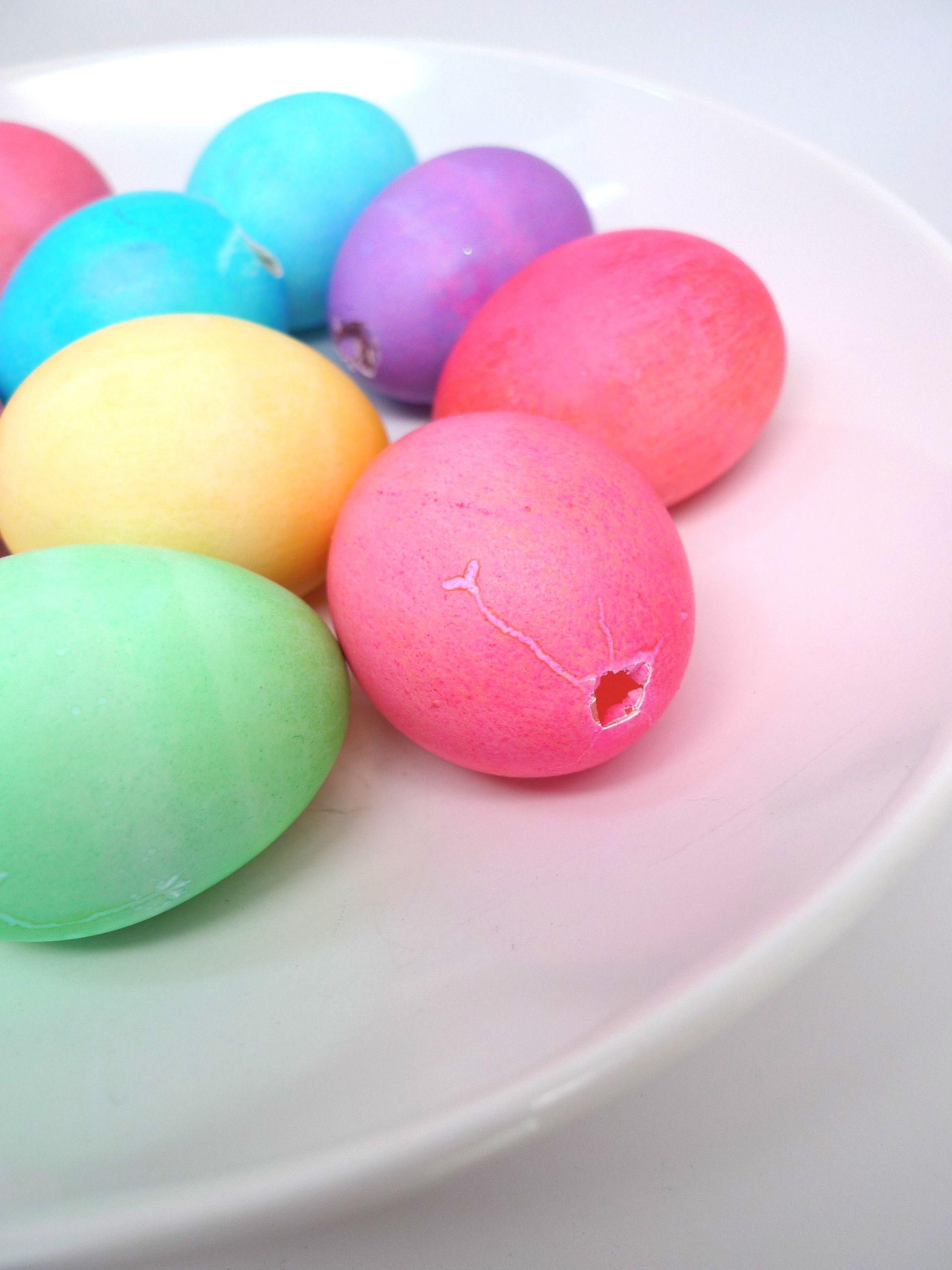 egg confetti 1.jpg