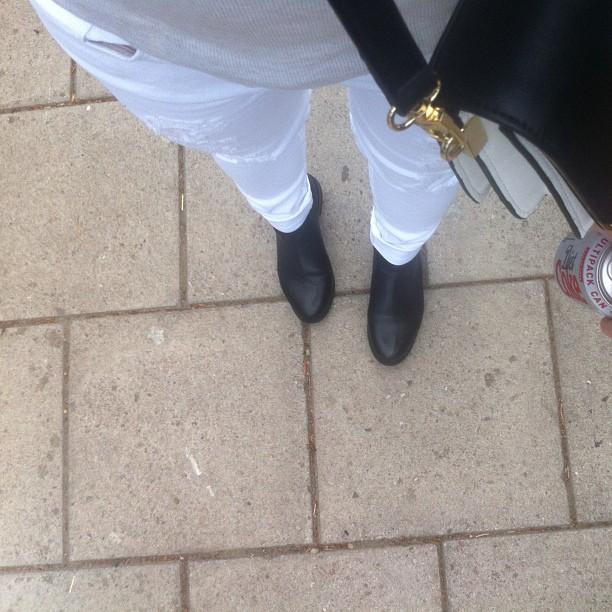 h&m white jeans.jpg