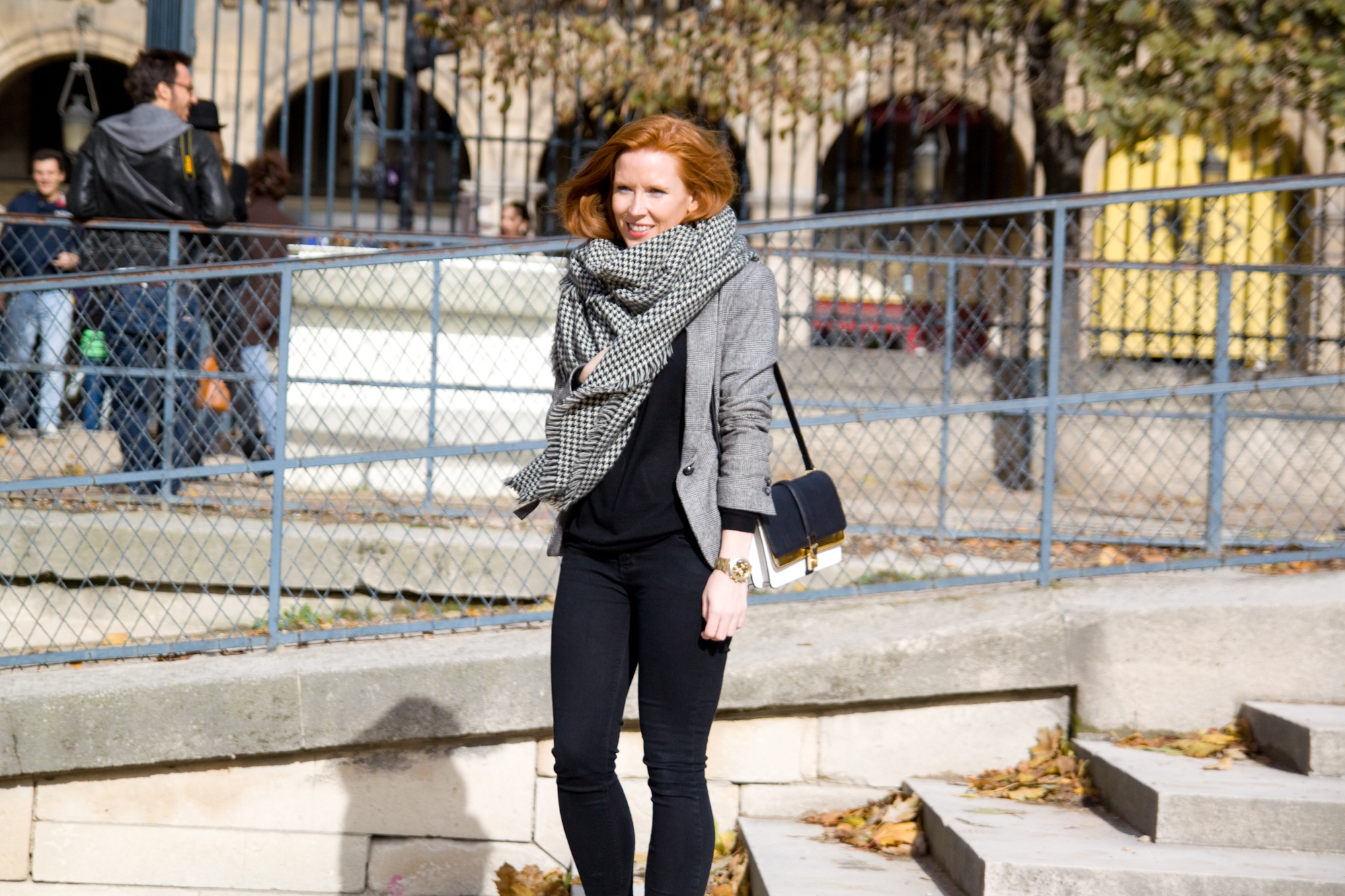 Wearing: Zara jumper, jacket, scarf and bag / Urban Outfitters jeans / Topshop chelsea boots