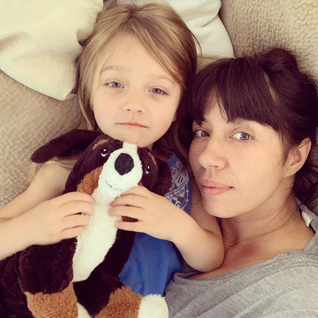 MamaMia 💜🧡💛 . #mamamia #bff #mylove #momlife #bangs #cuddles #mydaughter