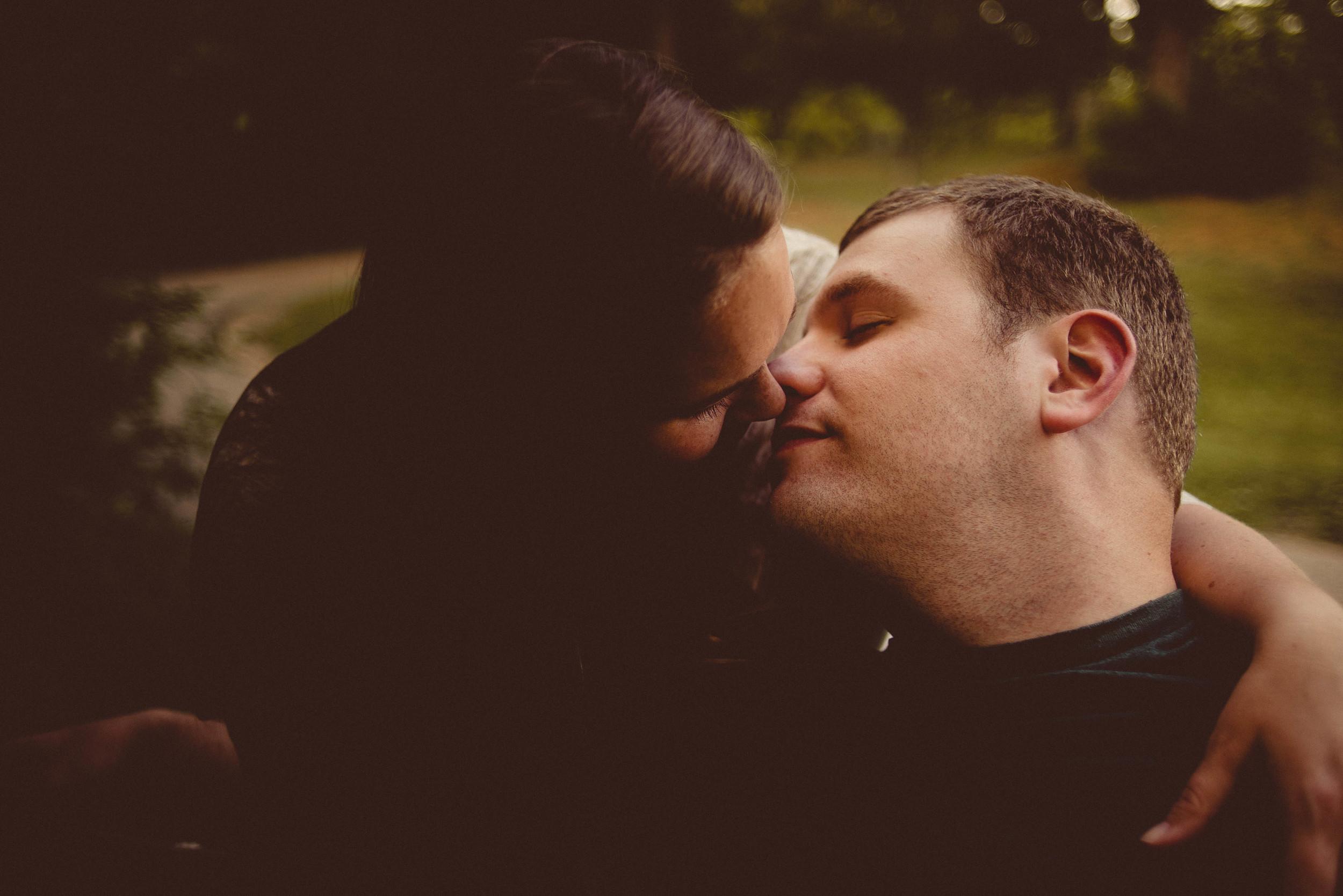 Rochester Michigan Engagement Wedding Photographer (17).JPG