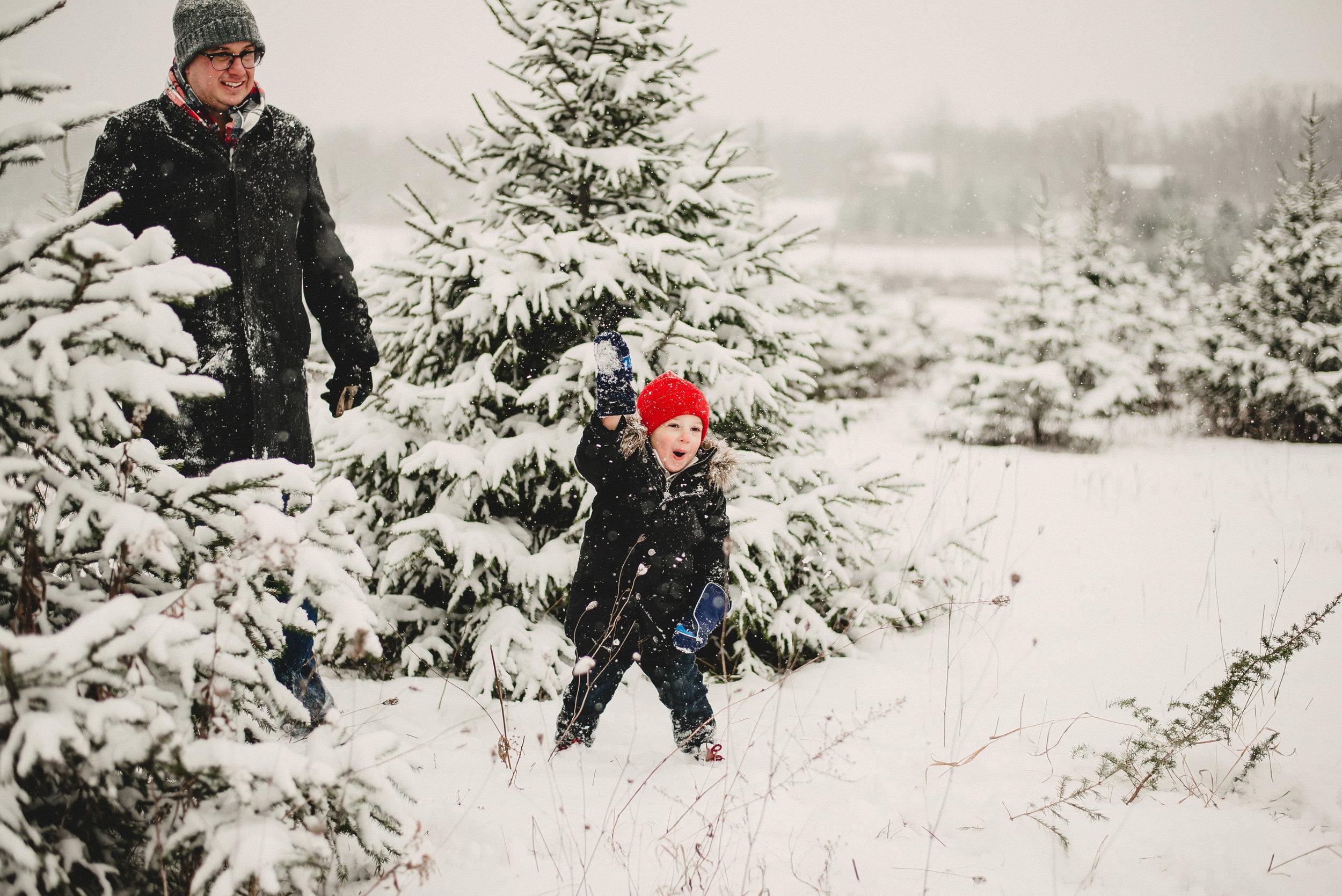 Christmas Tree Farm Family Photo Session Metamora Michigan Winter (32).JPG