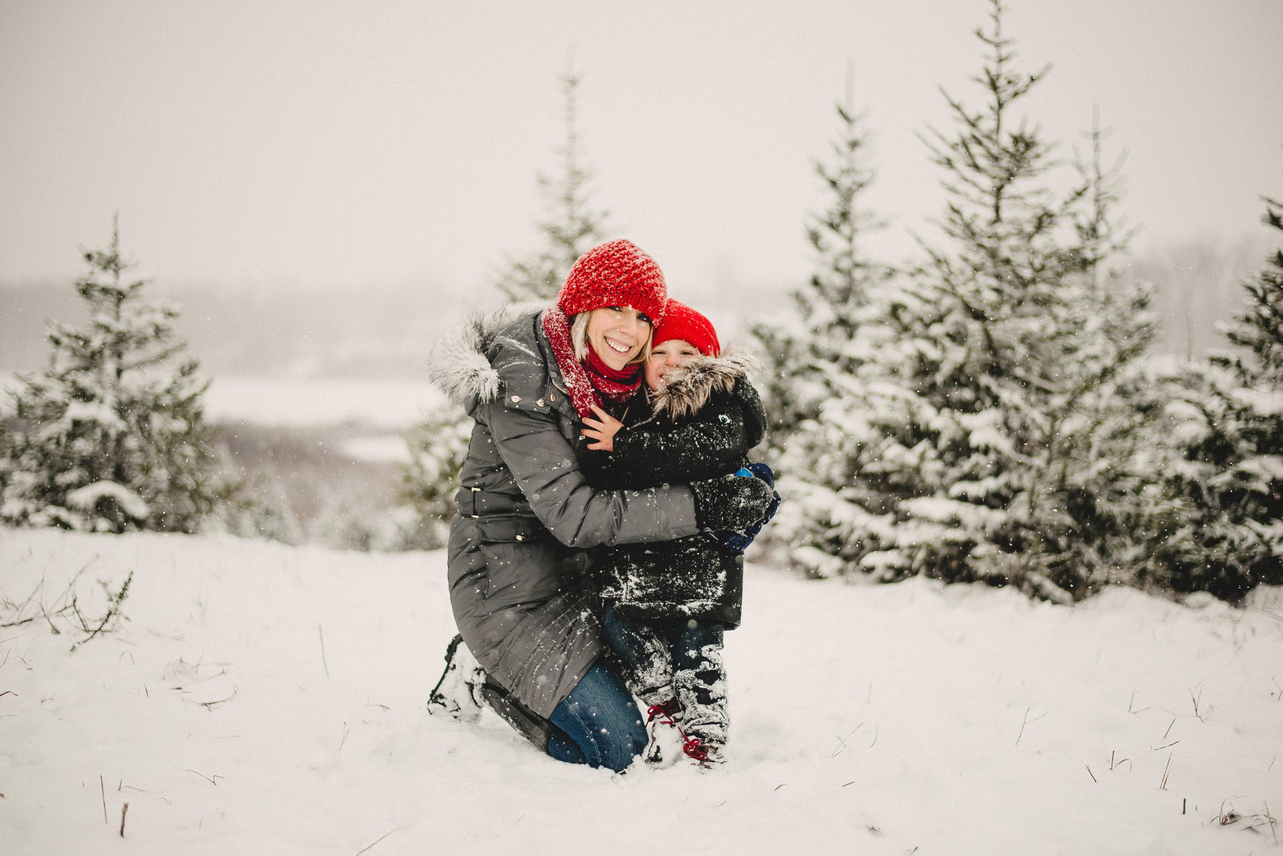 Christmas Tree Farm Family Photo Session Metamora Michigan Winter (35).JPG