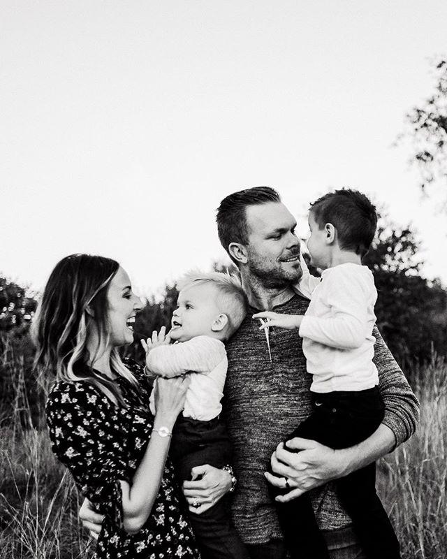 #michiganfamilyphotographer #familyportrait