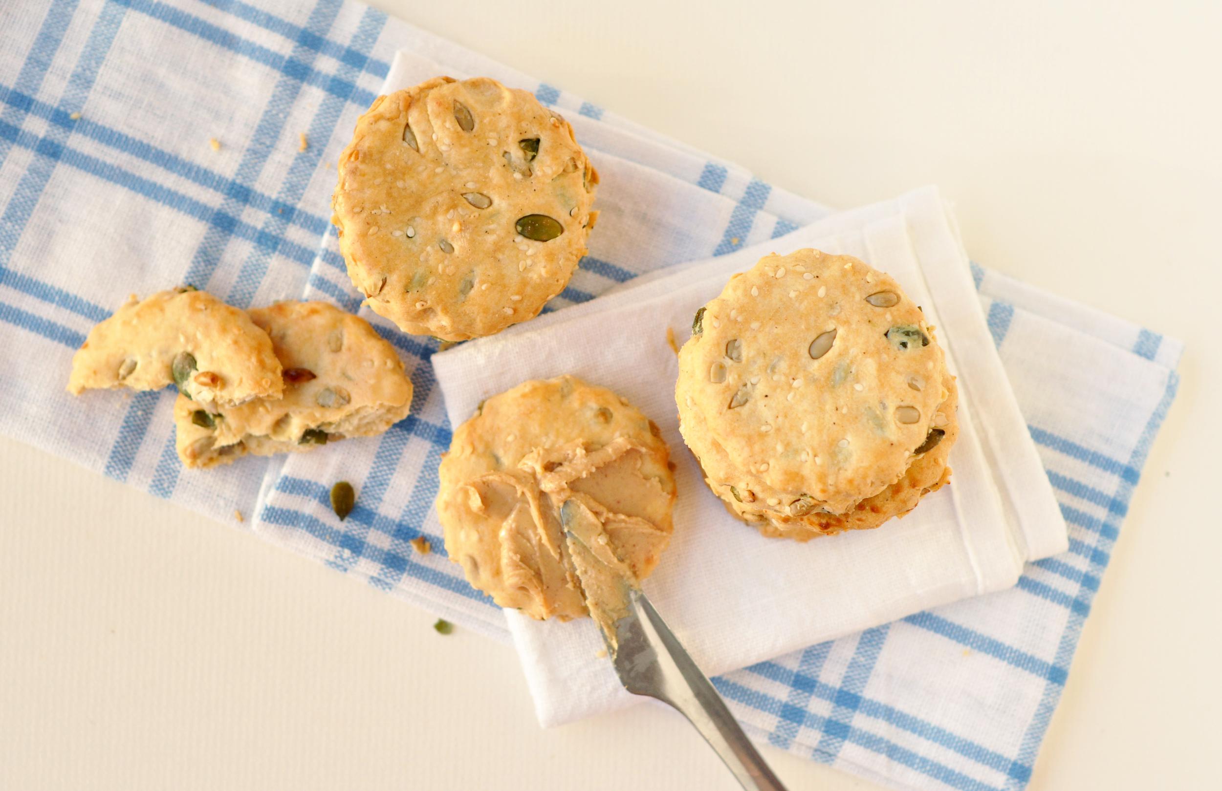 spelt crackers 1.jpg