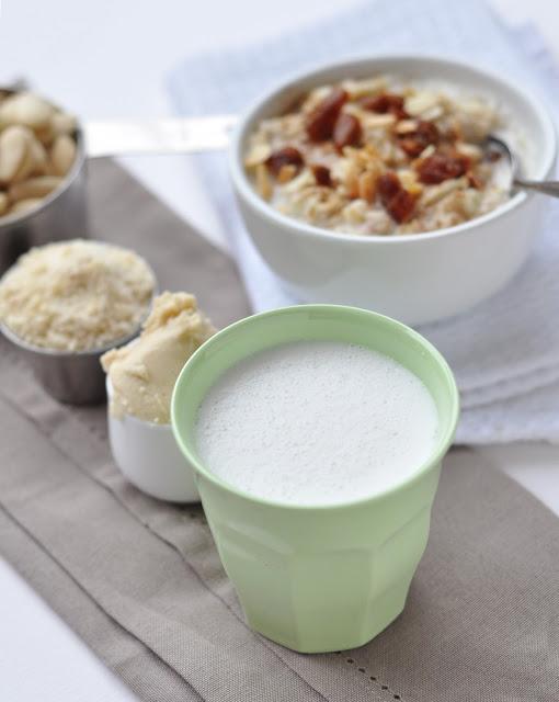 almond+milk+2.jpg